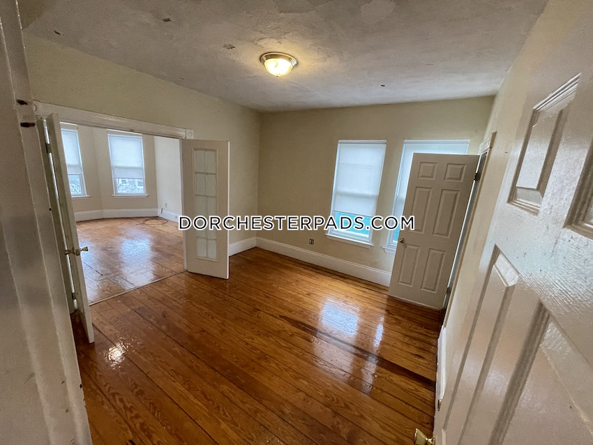 BOSTON - DORCHESTER - CENTER - 3 Beds, 1 Bath - Image 3