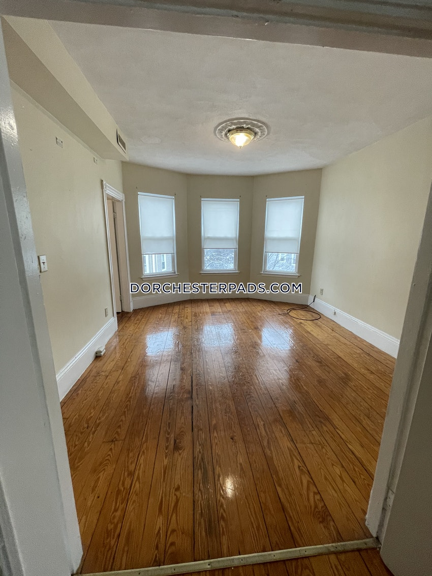 BOSTON - DORCHESTER - CENTER - 3 Beds, 1 Bath - Image 2