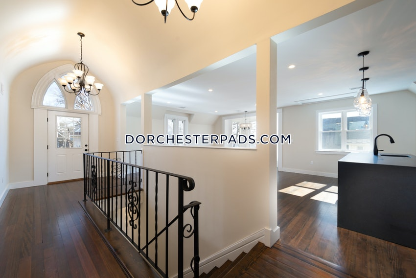 BOSTON - DORCHESTER - SAVIN HILL - 4 Beds, 2 Baths - Image 10