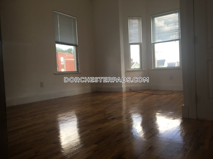 BOSTON - DORCHESTER - UPHAMS CORNER - 4 Beds, 1 Bath - Image 2