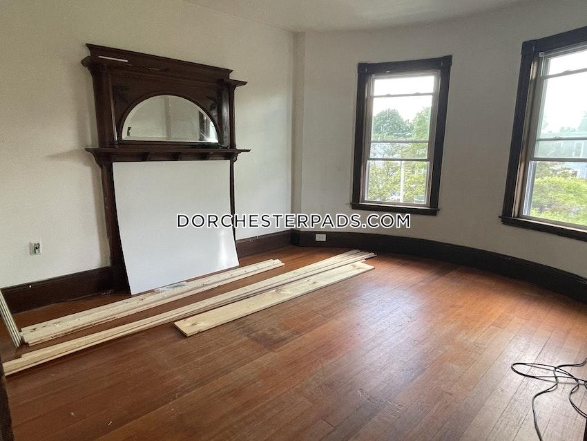 BOSTON - DORCHESTER - UPHAMS CORNER - 4 Beds, 1 Bath - Image 2