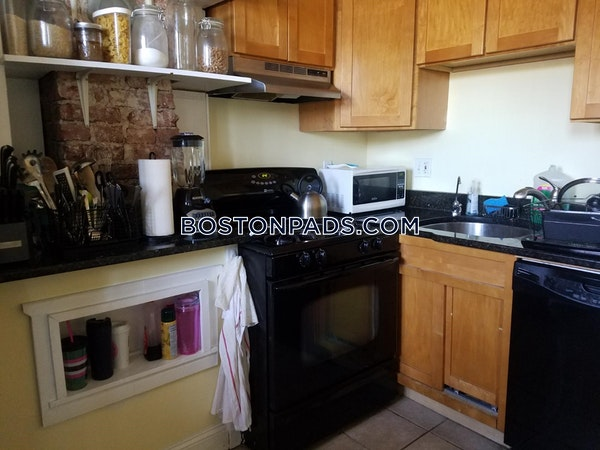 Roxbury Wonderful 2 bed 1 and a half bath in Roxbury Boston - $2,400