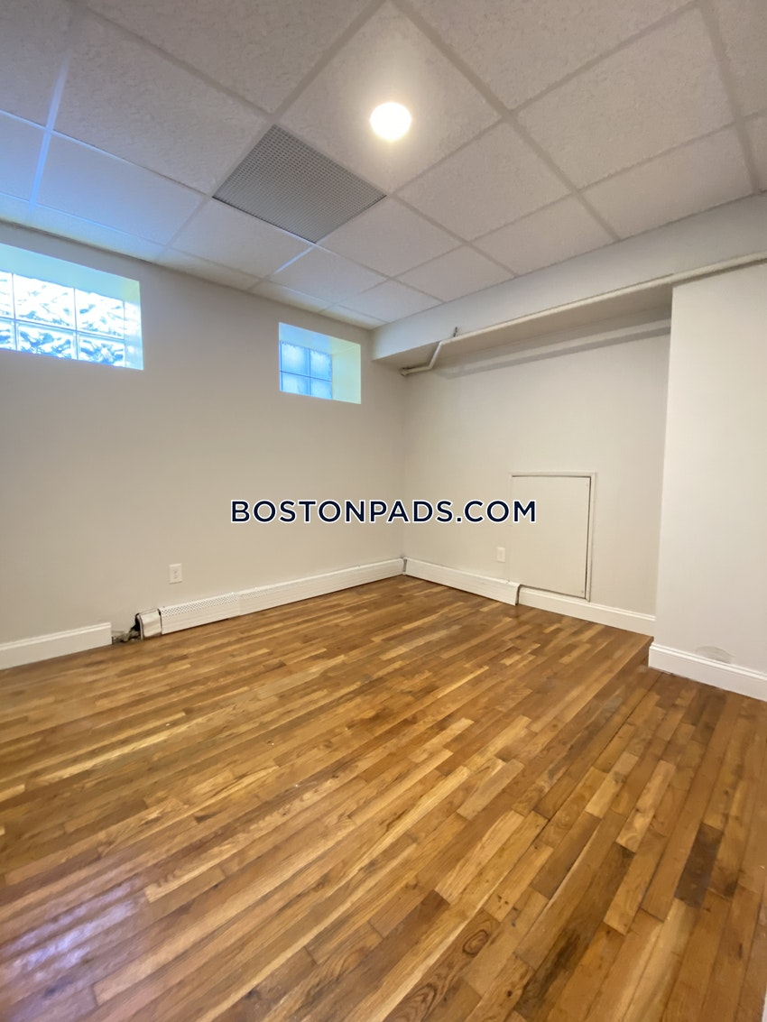 BOSTON - FENWAY/KENMORE - 2 Beds, 2 Baths - Image 11