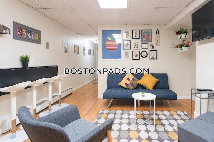 Boston - Fenway/kenmore - 4 Beds, 2.5 Baths - $4,900