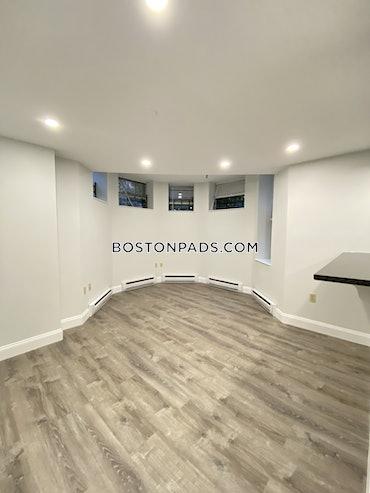 Back Bay, Boston, MA - Studio, 1 Bath - $2,525 - ID#3824787