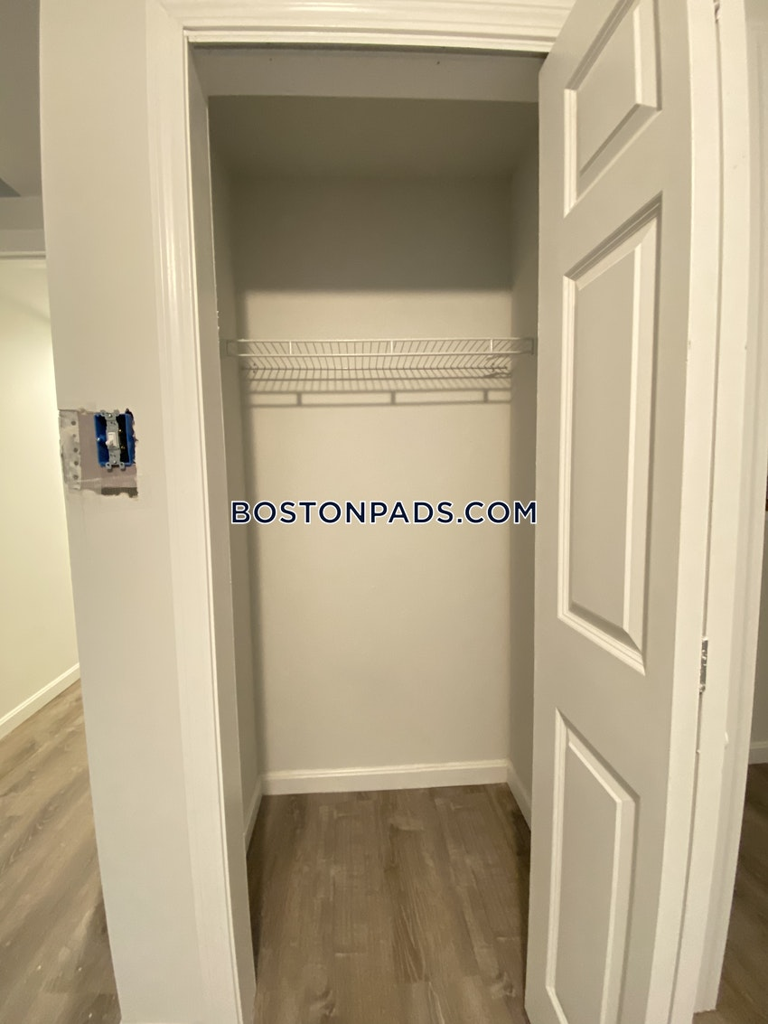 BOSTON - FENWAY/KENMORE -  ,   - Image 4