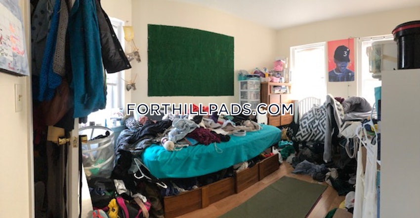 BOSTON - FORT HILL - 4 Beds, 1 Bath - Image 6
