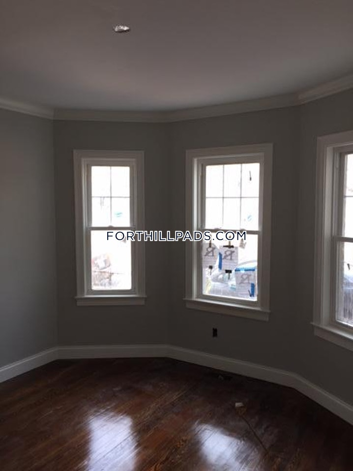 Boston - Fort Hill - 3 Beds, 1.5 Baths - $3,350