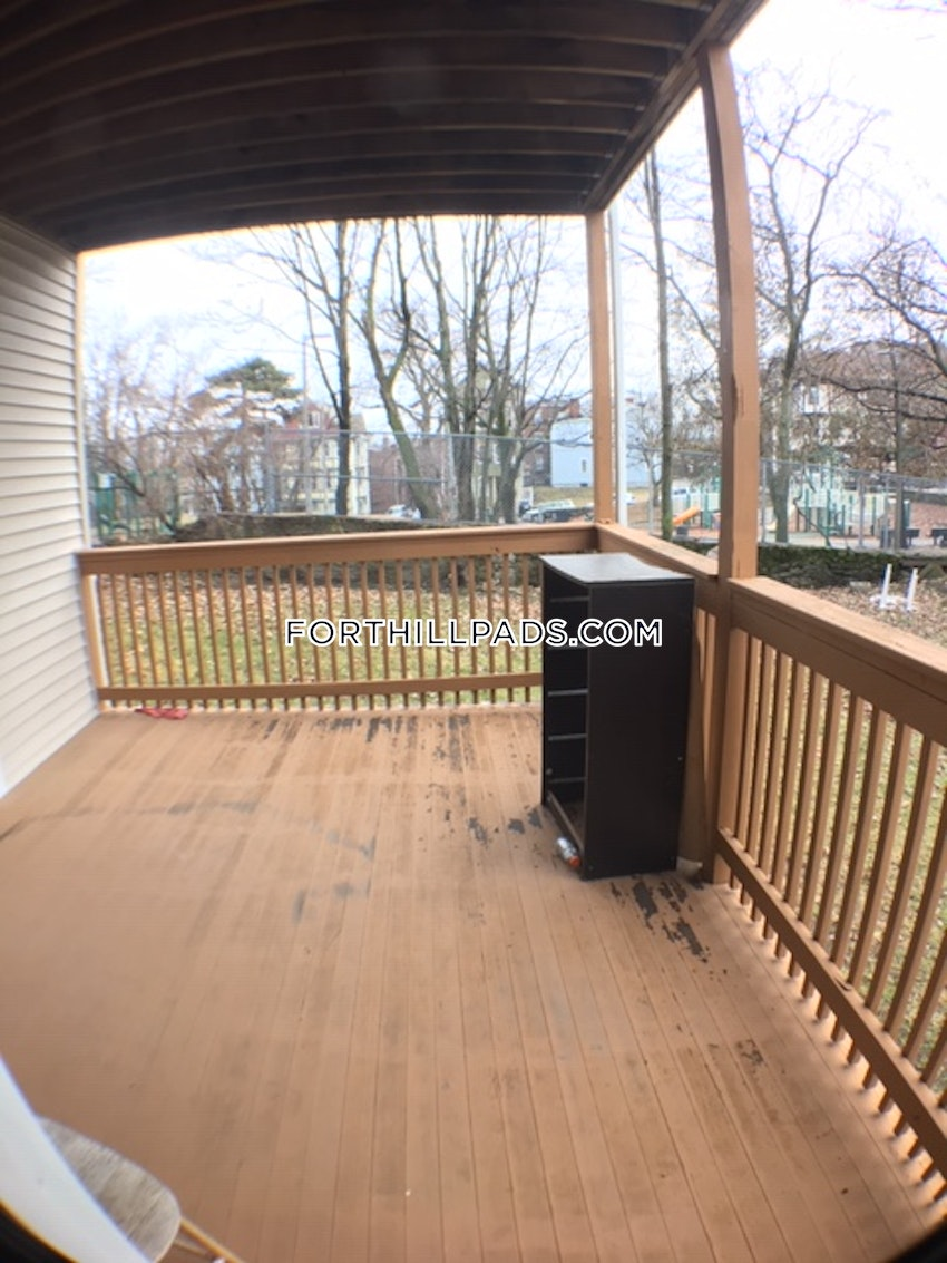 BOSTON - FORT HILL - 4 Beds, 2.5 Baths - Image 9
