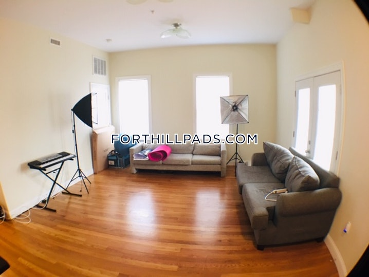 Boston - Fort Hill - 4 Beds, 2.5 Baths - $4,000