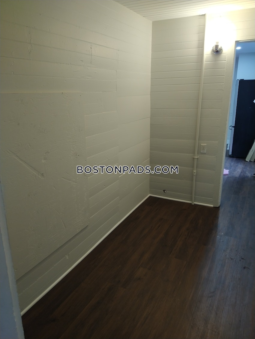 BOSTON - HYDE PARK - 2 Beds, 1 Bath - Image 12