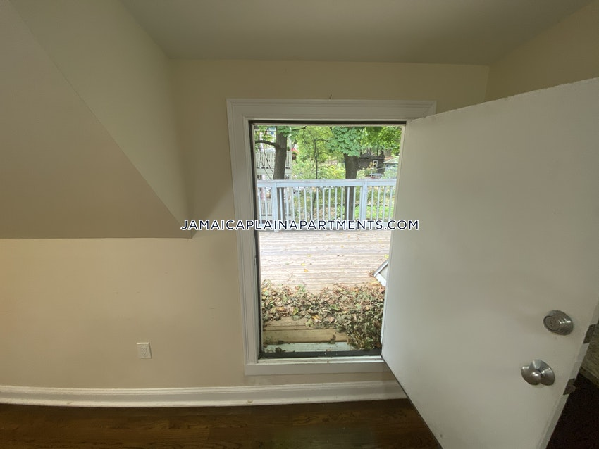 BOSTON - JAMAICA PLAIN - STONY BROOK - 3 Beds, 1 Bath - Image 18