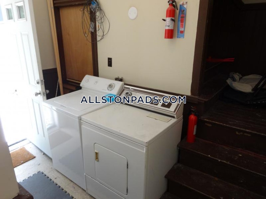 BOSTON - LOWER ALLSTON - 4 Beds, 2 Baths - Image 3