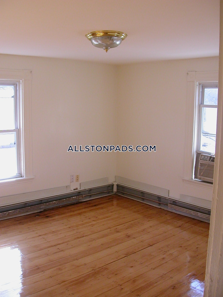 BOSTON - LOWER ALLSTON - 6 Beds, 2.5 Baths - Image 8
