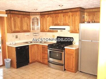 Winter Hill, Somerville, MA - 4 Beds, 3 Baths - $2,400 - ID#3825126