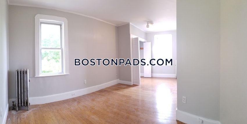 BOSTON - HYDE PARK - 3 Beds, 1 Bath - Image 10