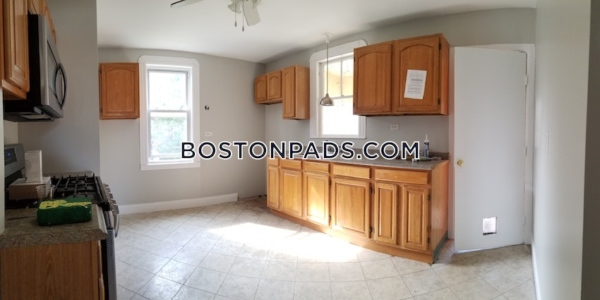 BOSTON - HYDE PARK - 3 Beds, 1 Bath - Image 2
