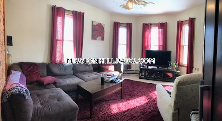 Boston - Mission Hill - 3 Beds, 1 Bath - $3,450