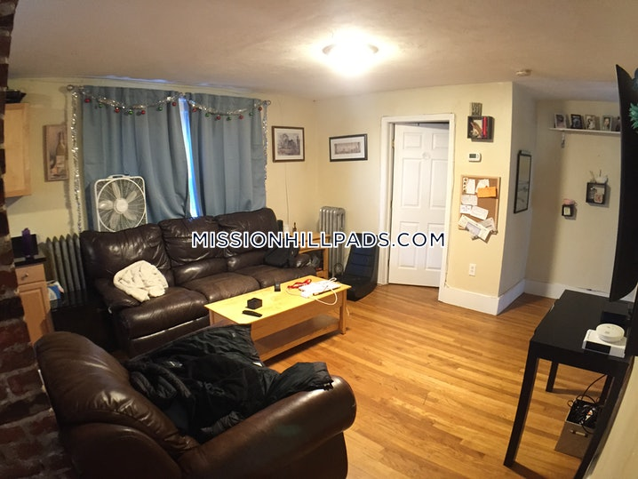 Boston - Mission Hill - 5 Beds, 2.5 Baths - $6,000