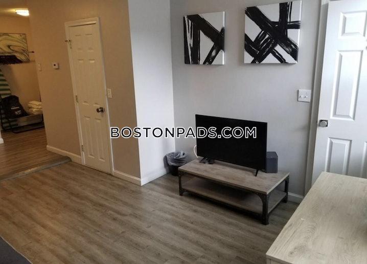 Boston - North End - 3 Beds, 1 Bath - $3,400