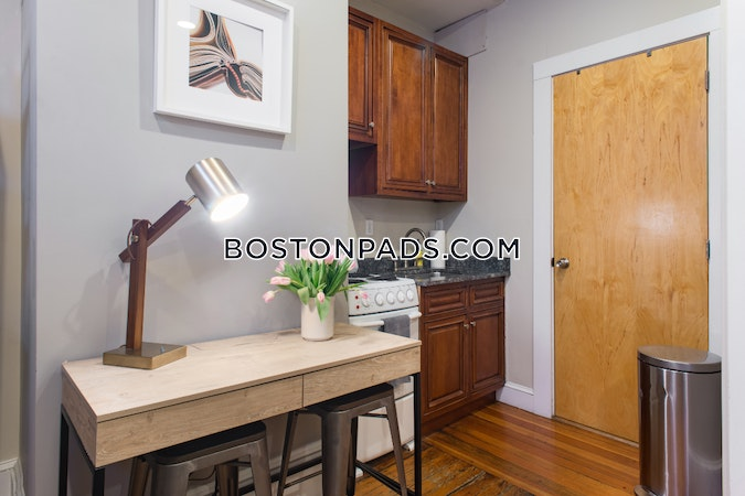 North End Apartment for rent 1 Bedroom 1 Bath Boston - $1,995