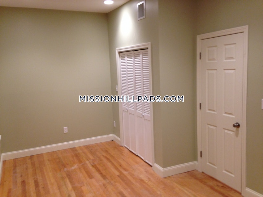 BOSTON - ROXBURY - 1 Bed, 1 Bath - Image 5