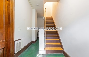 Roxbury, Boston, MA - 3 Beds, 2 Baths - $3,000 - ID#3822241