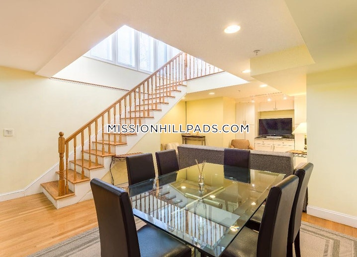 Boston - Roxbury - 3 Beds, 2 Baths - $3,800
