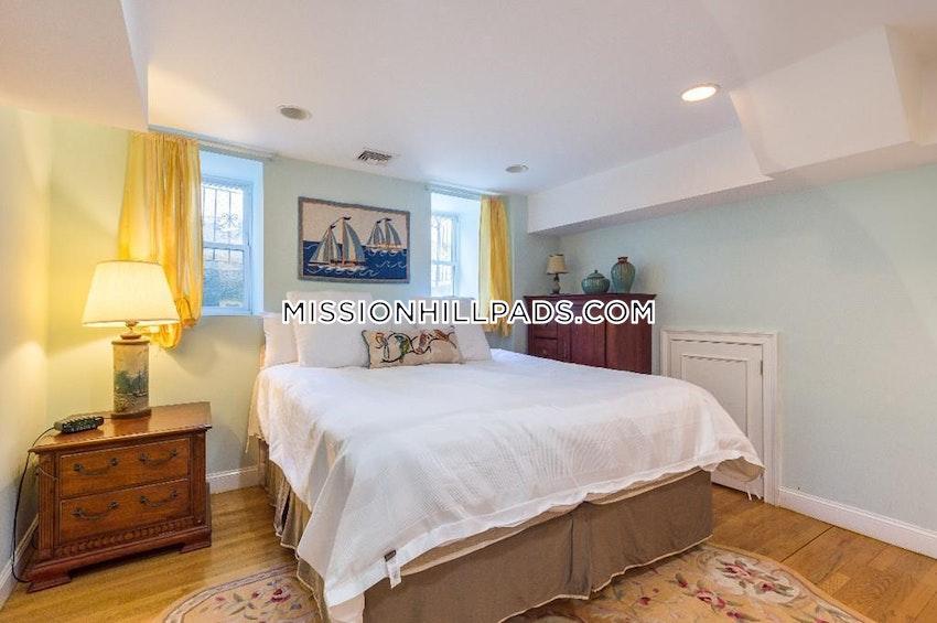 BOSTON - ROXBURY - 3 Beds, 2 Baths - Image 6