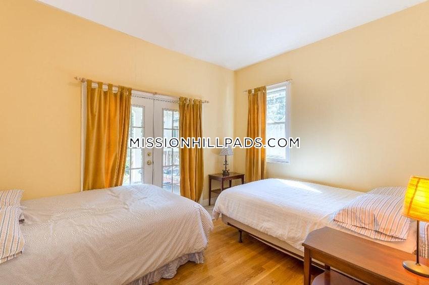 BOSTON - ROXBURY - 3 Beds, 2 Baths - Image 5