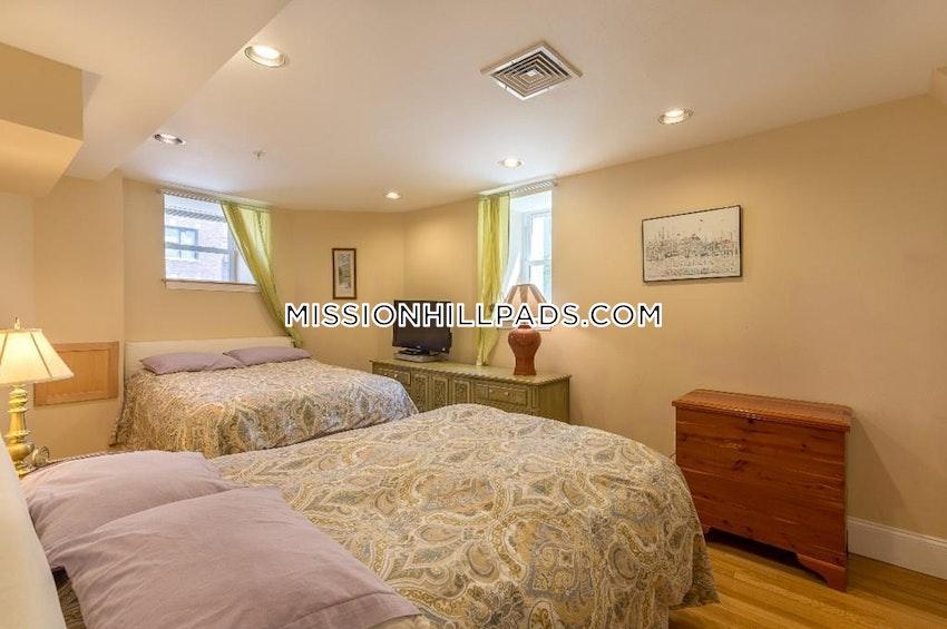 BOSTON - ROXBURY - 3 Beds, 3.5 Baths - Image 1