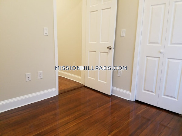 Roxbury Outstanding 3 bed 1 bath in Roxbury Boston - $2,495