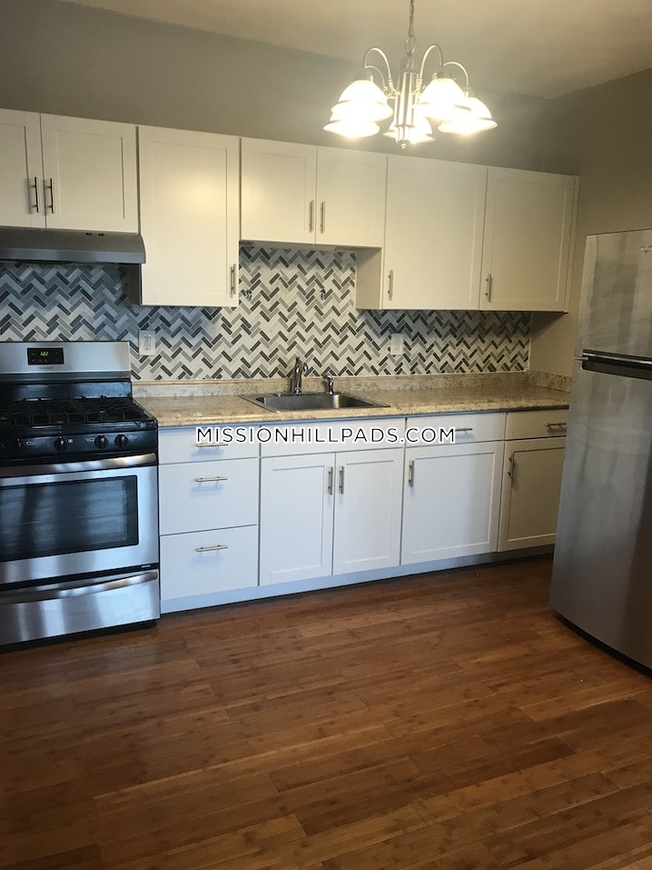 Boston - Roxbury - 3 Beds, 1 Bath - $2,000