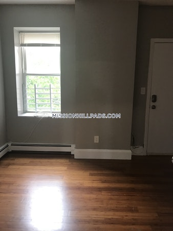Roxbury What a bargain for this 3 Beds 1 Bath  Boston - $2,000