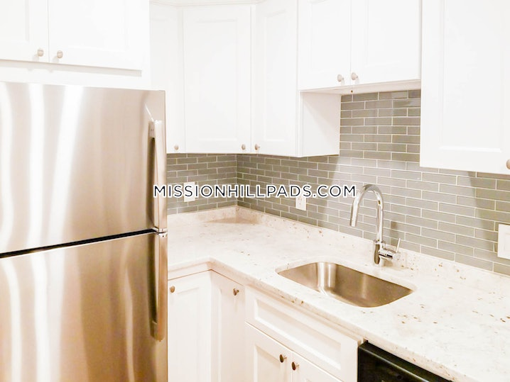 Boston - Roxbury - 4 Beds, 1 Bath - $3,100
