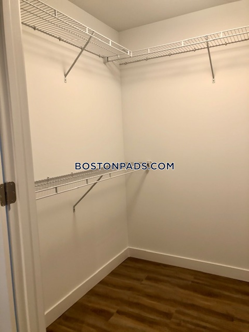 BOSTON - SEAPORT/WATERFRONT - 3 Beds, 2 Baths - Image 7
