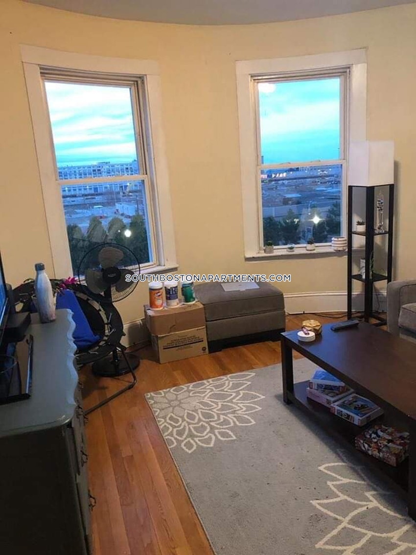 South Boston Fantastic 3 Bedroom Apartment In Southie Boston 3 750