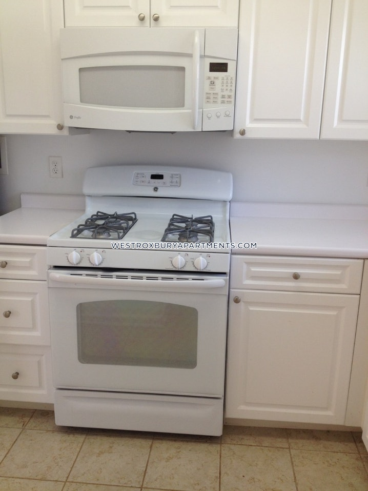 Boston - West Roxbury - 2 Beds, 1 Bath - $2,800