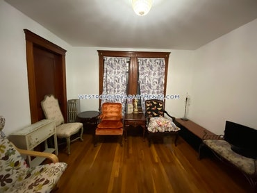 West Roxbury, Boston, MA - Studio, 1 Bath - $2,100 - ID#3810188