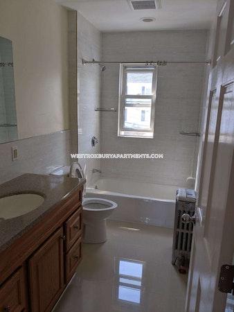 West Roxbury Outstanding 2 Beds 1.5 Baths Boston - $2,100