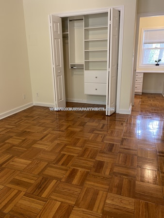 West Roxbury Apartment for rent 2 Bedrooms 1.5 Baths Boston - $3,080