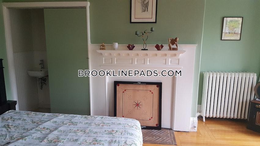 BROOKLINE- NORTH BROOKLINE - 4 Beds, 1 Bath - Image 4