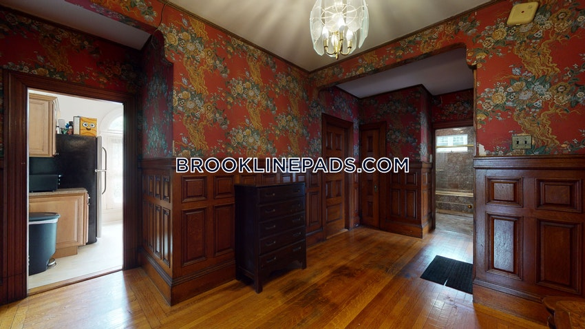 BROOKLINE- BOSTON UNIVERSITY - 3 Beds, 1 Bath - Image 9