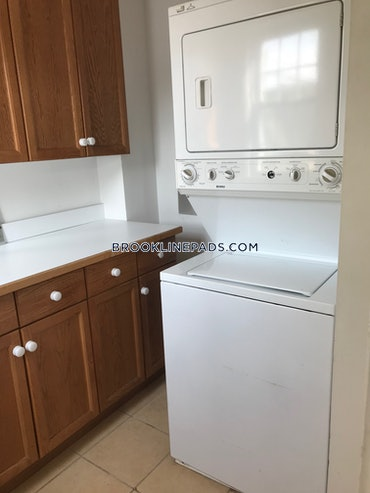 Chestnut Hill, Brookline, MA - 4 Beds, 1 Bath - $3,100 - ID#3825445