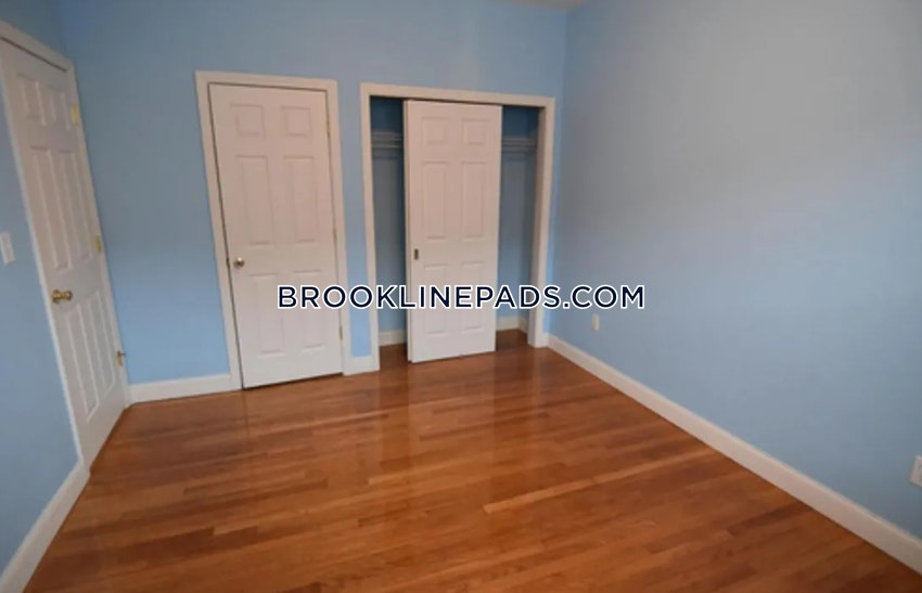 BROOKLINE- COOLIDGE CORNER - 4 Beds, 3 Baths - Image 2