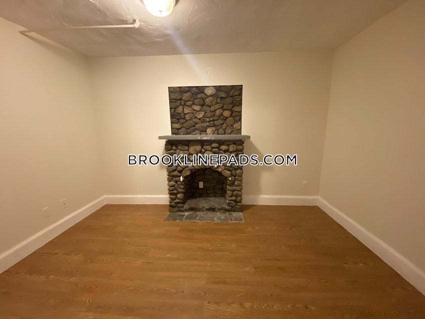 BROOKLINE- WASHINGTON SQUARE - 3 Beds, 2 Baths - Image 1