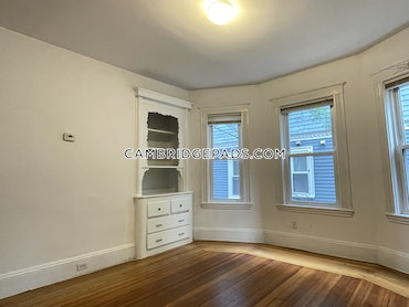 Union Square, Somerville, MA - 4 Beds, 2 Baths - $3,900 - ID#3810563