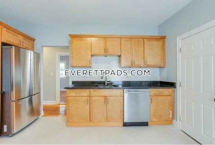 Everett - 3 Beds, 1 Bath - $2,600