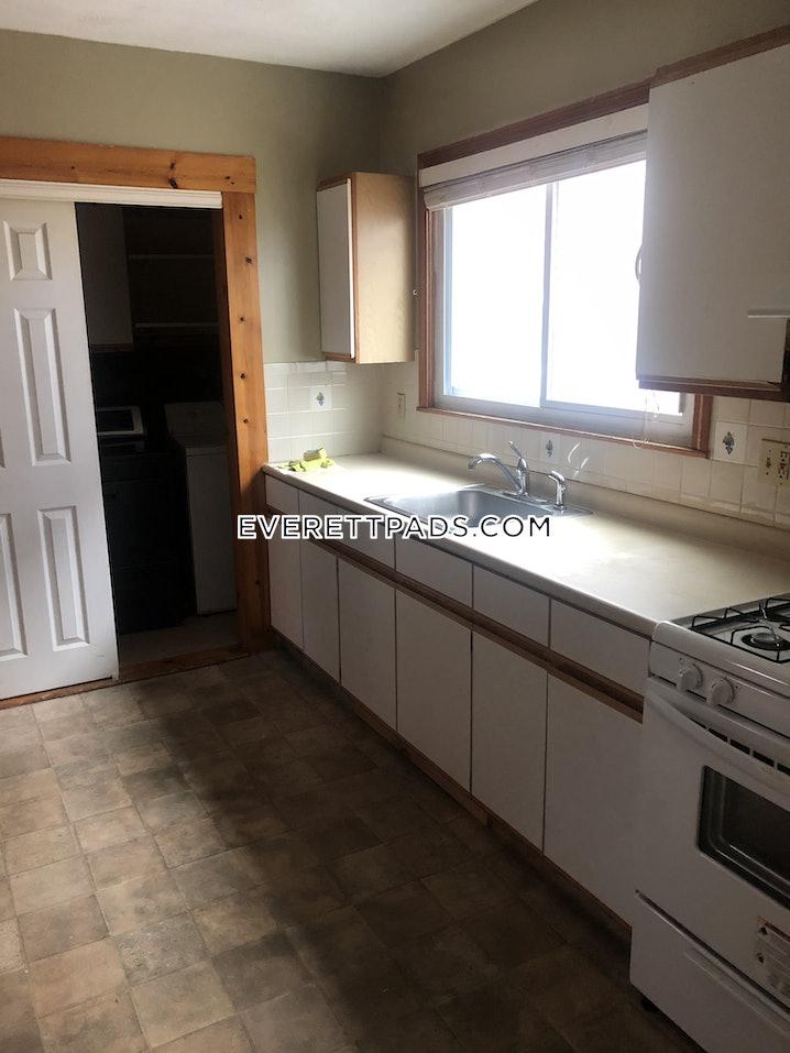 Everett - 3 Beds, 1 Bath - $2,500