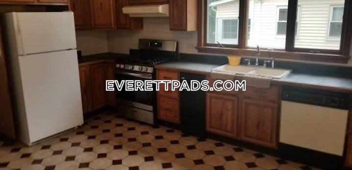 Everett - 4 Beds, 2 Baths - $3,250